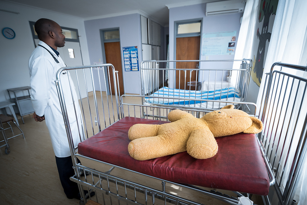 2 March 2017, Ma Mafefooane Valley, Lesotho: Dr N. G. Suaka at work at Saint Joseph's Hospital, hear in the children's ward. Saint Joseph's Hospital is a district hospital in the Ma Mafefooane Valley in Lesotho. The hospital was established in 1937 and is run as a Roman Catholic non-profit institution by the Christian Health Association of Lesotho. As a district hospital, it offers comprehensive healthcare including male, female, paediatric, Tuberculosis and maternity care. It is closely linked with the neighbouring Roma College of Nursing, which runs on similar premises as part of the same institution. Drug supplies are secured to the hospital by means of a Memorandum of Understanding with the government.