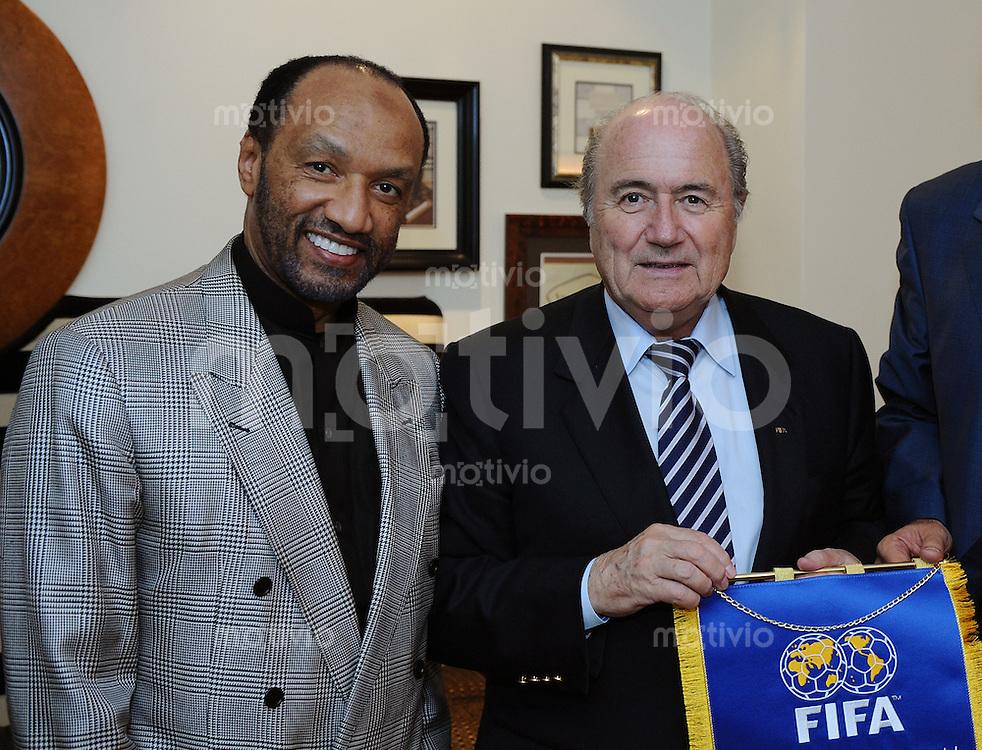 Fussball International  58. FIFA Kongress 2008  27.05.2008 FIFA Exekutivkomittee Mitglied und AFC Praesident Mohamed Bin Hammam (li, Katar) und  FIFA Praesident Joseph S. Blatter (SUI)