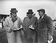 17/11/1959<br /> 11/17/1959<br /> 17 November 1959<br /> Goffs November Bloodstock Sales at Ballsbridge, Dublin. At the sales were (l-r): Mr. Niscie Halley, Co. Waterford; Mr. E.J. Corbett, Co. Tipperary and Mr. Rex King, Croom, Co. Limerick.