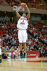 15 January 2005<br /> <br /> Lorenzo Gordon gets left unguarded as he heads to a total of 21 points as the Illinois State University Redbirds keep the Drake Bulldogs on a leash as they pull ahead in the 2nd half for a74 - 61 Victory.  Redbird Arena, Illinois State University, Normal IL