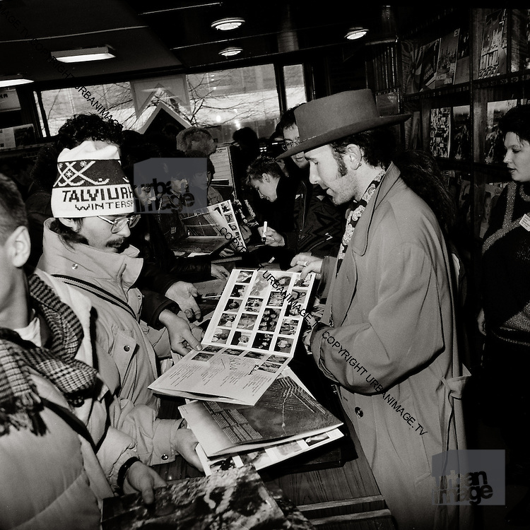 The Edge from U2 in Moscow's only record store - Greenpeace mission 1989