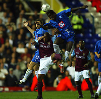 Fotball, 16. september 2002. FA Barclaycard premiership,  Birmingham - Aston Villa 3-0. Dion Dublin, Aston Villa, Jeff Kenna (2) og Kenny Cunningham, Birmingham.