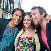 NLD/Amsterdam/20110630 - Uitreiking Jackie's Bachelor List 2011, Bachlor Lars Vreugdenhil met winnares Marielle en vriend Sven