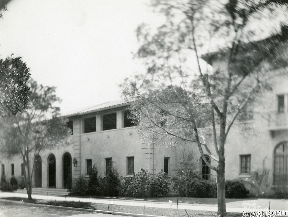 1930 Hollywood Studio Club on Lodi Pl.