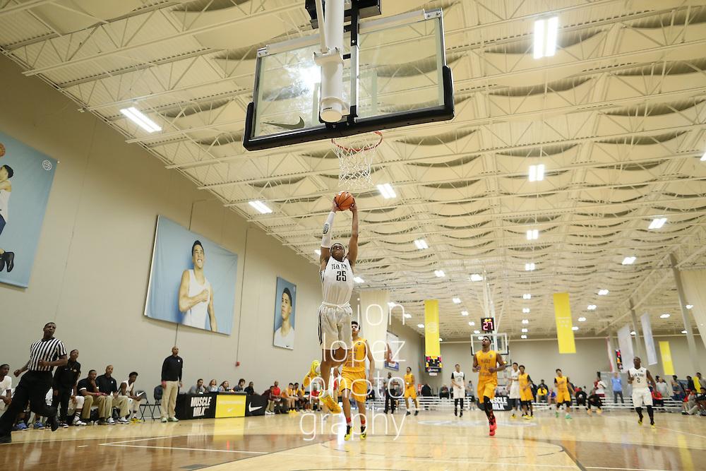 Westfield, IN - APRIL 23: Nike EYBL. Session 2. Paul Washington #25 of Team Penny dunks. (Photo by Jon Lopez)