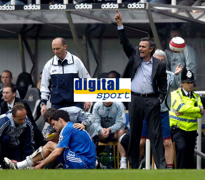 Photo: Jed Wee/Sportsbeat Images.<br /> Newcastle United v Chelsea. The Barclays Premiership. 22/04/2007.<br /> <br /> Chelsea manager Jose Mourinho (R) protests as midfielder Michael Ballack is receives treatment for an injury that ends his match prematurely.