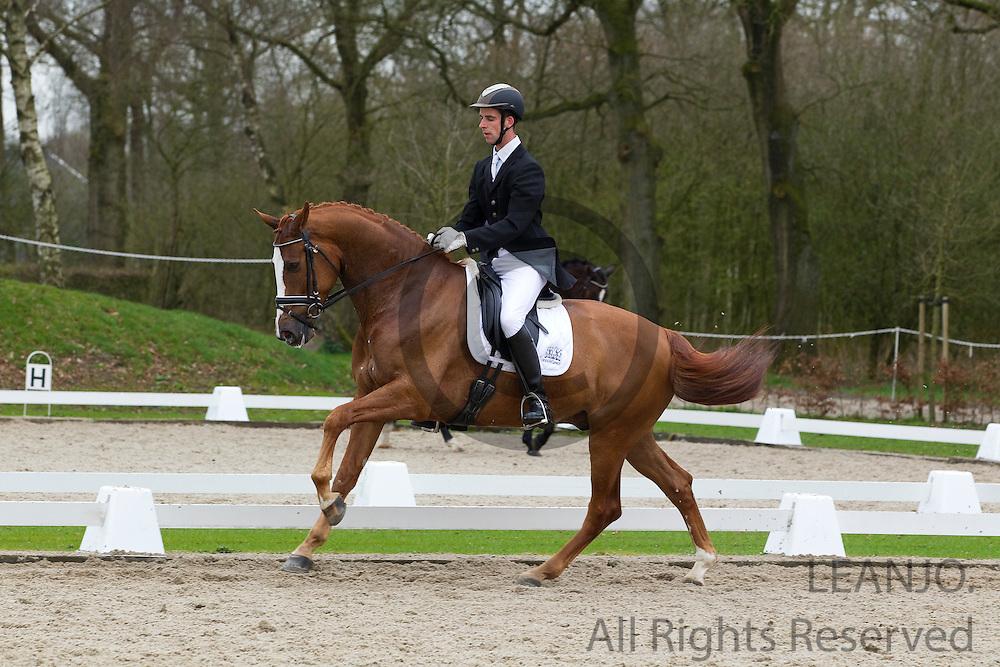 Jan Liebregts - Bentley<br /> Wildcard dag WK Jonge Dressuurpaarden 2011<br /> © DigiShots