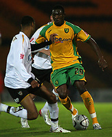 Photo: Paul Thomas.<br /> Port Vale v Norwich City. Carling Cup. 24/10/2006.<br /> <br /> Dickson Etuhu of Norwich makes a break.