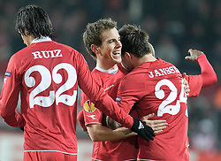 18.02.2010, Stadion De Grolsch Veste, Enschede, NED, UEFA EL, FC Twente Enschede vs Werder Bremen, im Bild Jubel um den Torsachuetzen Theo Janssen ( Twente #24   ) v.li. Bryan Ruiz ( Twente #22   ) Wout Brama ( Twente #06 ), EXPA Pictures © 2010 for Austria only, Photographer EXPA / NPH / Kokenge / for Slovenia SPORTIDA PHOTO AGENCY.