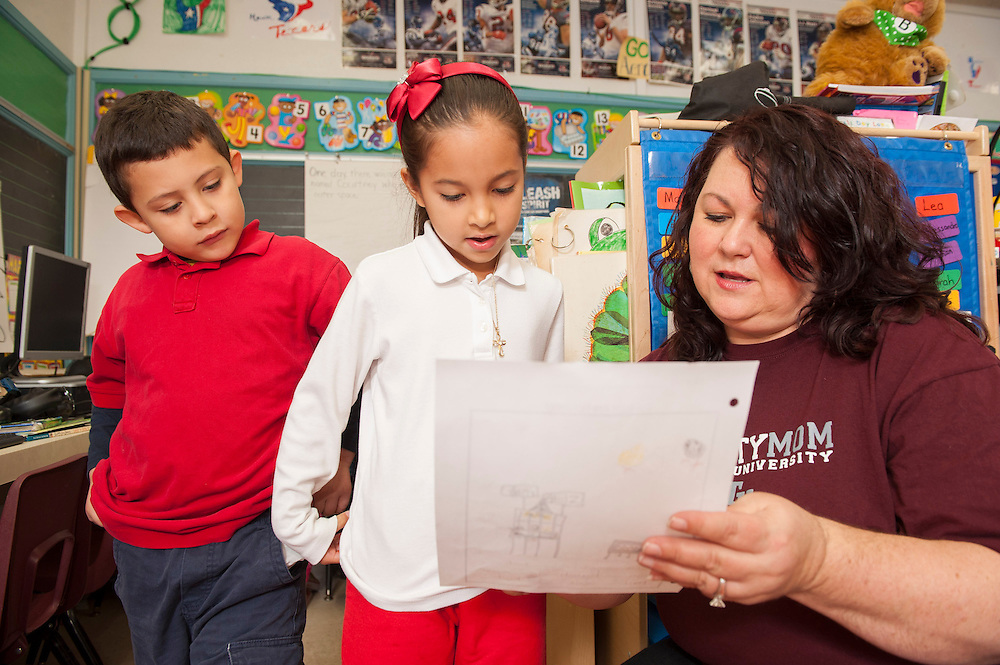Parker Elementary kindergarten teacher Doris Richardson works with her students, April 19, 2013. Richardson is a finalist for Elementary School Teacher of the Year.