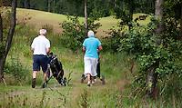 Steendam-Ouderen  op de golfbaan Duurswold .Beoefenen van de golfsport. ANP FOTO COPYRIGHT KOEN SUYK