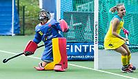 BRUSSEL - Emily Smith (Aus.) scores 4-1    during AUSTRALIA v SPAIN , Fintro Hockey World League Semi-Final (women) . left keeper Maria RUIZ (SPA) ,  COPYRIGHT KOEN SUYK