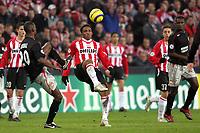 Fotball , 21. janaur 2006 , Champions League , PSV Eindhoven - Lyon<br /> aktie van psv speler jefferson farfan. links van hem eric abidal