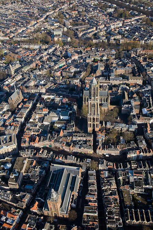 Nederland, Utrecht, Utrecht, 25-11-2008; Buurkerk en Domtoren, achter de toren de DomkerkOostelijk deel binnenstad.Eastern part city centre, inner city, town centre;.  .luchtfoto (toeslag)aerial photo (additional fee required).foto Siebe Swart / photo Siebe Swart