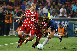 2017?7?25?.??????——?????????????????..7?25????????????Kingsley Coman??????????????Marcos Alonso??????.???? ??????..Bayern Munich's player Kingsley Coman (F) fights for the ball with Chelsea's player Marcos Alonso (R) during the International Champions Cup match between Chelsea and Bayern Munich held in Singapore's National Stadium on Jul 25, 2017..By Xinhua, Then Chih Wey..????????????2017?7?25? (Credit Image: © Then Chih Wey/Xinhua via ZUMA Wire)