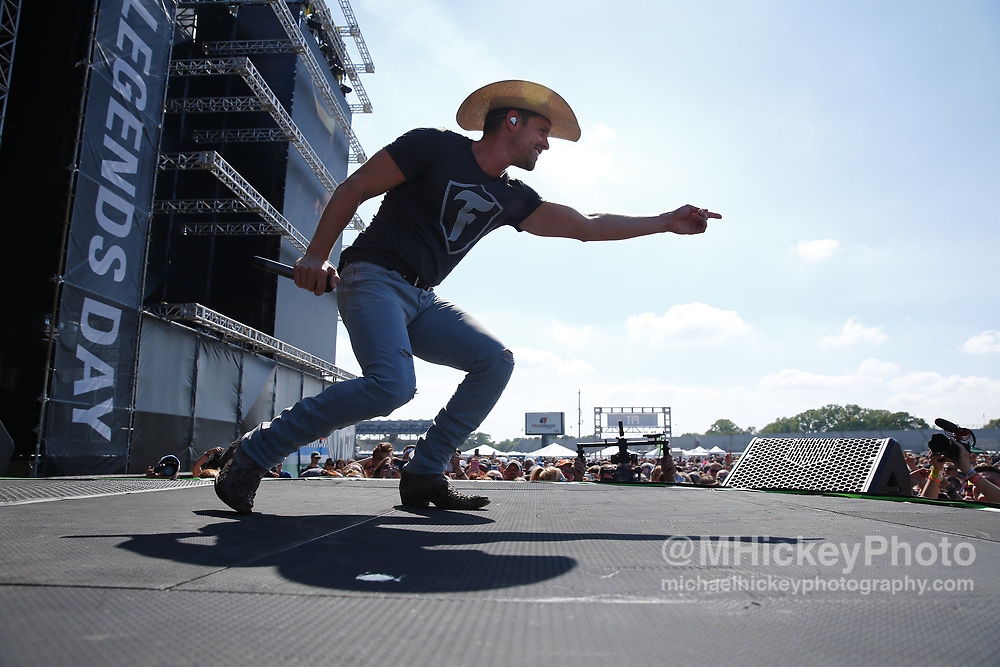 INDIANAPOLIS, IN - MAY 27: Dustin Lynch performs at the Firestone Legends Day concert at Indianapolis Motor Speedway on May 27, 2017 in Indianapolis, Indiana. (Photo by Michael Hickey/Getty Images) *** Local Caption *** name; name