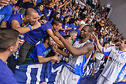 DESCRIZIONE : Beko Legabasket Serie A 2015- 2016 Dinamo Banco di Sardegna Sassari -Vanoli Cremona<br /> GIOCATORE : Brenton Petway Commando Ultra' Dinamo<br /> CATEGORIA : Fair Play Ritratto Esultanza Ultras Tifosi Spettatori Pubblico<br /> SQUADRA : Dinamo Banco di Sardegna Sassari<br /> EVENTO : Beko Legabasket Serie A 2015-2016<br /> GARA : Dinamo Banco di Sardegna Sassari - Vanoli Cremona<br /> DATA : 04/10/2015<br /> SPORT : Pallacanestro <br /> AUTORE : Agenzia Ciamillo-Castoria/L.Canu