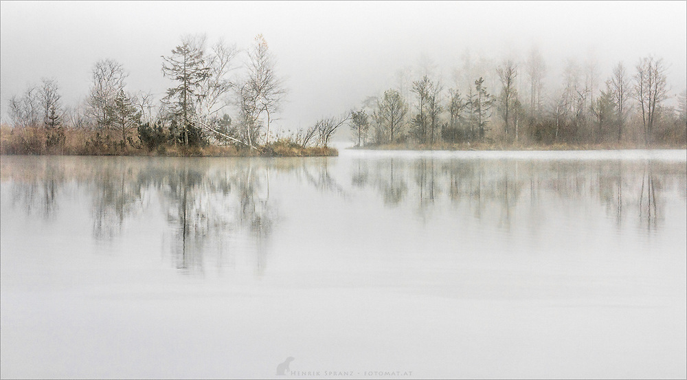 A foggy morning at the Almsee in Upper Austria.