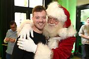 De 8e editie van Sky Radio's goede doelen-event Christmas Tree For Charity in The College Hotel, Amsterdam.<br /> <br /> Op de foto:  Gers Pardoel met de kerstman