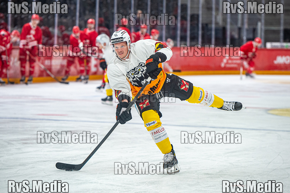 LAUSANNE, SWITZERLAND - SEPTEMBER 28: Gregory Sciaroni #41 of SC Bern warms up prior the Swiss National League game between Lausanne HC and SC Bern at Vaudoise Arena on September 28, 2021 in Lausanne, Switzerland. (Photo by Monika Majer/RvS.Media)