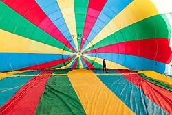 05.02.2018, Zell am See - Kaprun, AUT, BalloonAlps, im Bild ein Ballon wird auf seine Fahrt vorbereitet // a hot air balloon is prepared for his trip during the International Balloonalps Week, Zell am See Kaprun, Austria on 2018/02/05. EXPA Pictures © 2018, PhotoCredit: EXPA/ JFK