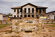 Jeceaba_MG, Brasil...Casarao inacabado da prefeitura de Jeceaba, que se ira transformar em um Centro Cultural...A deserted construction of the city hall in Jeceaba, this construction is going to turn a Cultural Center...Foto: BRUNO MAGALHAES /  NITRO
