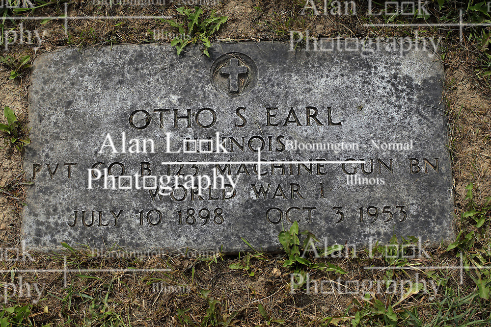 31 August 2017:   Veterans graves in Park Hill Cemetery in eastern McLean County.<br /> <br /> Otho S Earl  Illinois  Private  Co B 123 Machine Gun BN  World War I  July 10 1898  Oct 3 1953