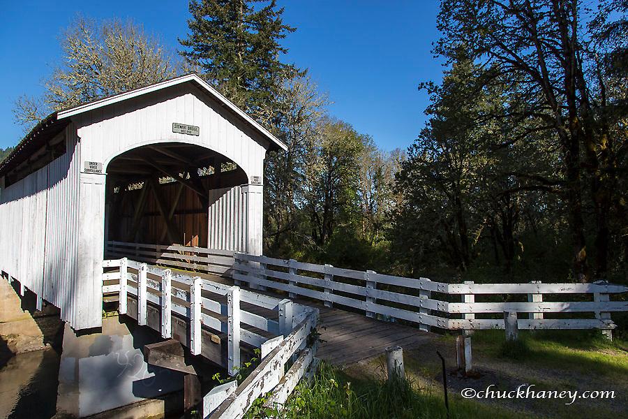 The Stewart Covered Bridge over Mosby Creek n Lane County, Oregon, USA