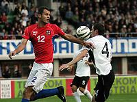 Fotball<br /> Kvalifisering til EM 2004<br /> Østerrike v Tsjekkia<br /> 11.10.2003<br /> Norway Only<br /> Foto: Digitalsport<br /> <br /> Vratislav Lokvenc (CZE) - Martin Hiden (AUT)