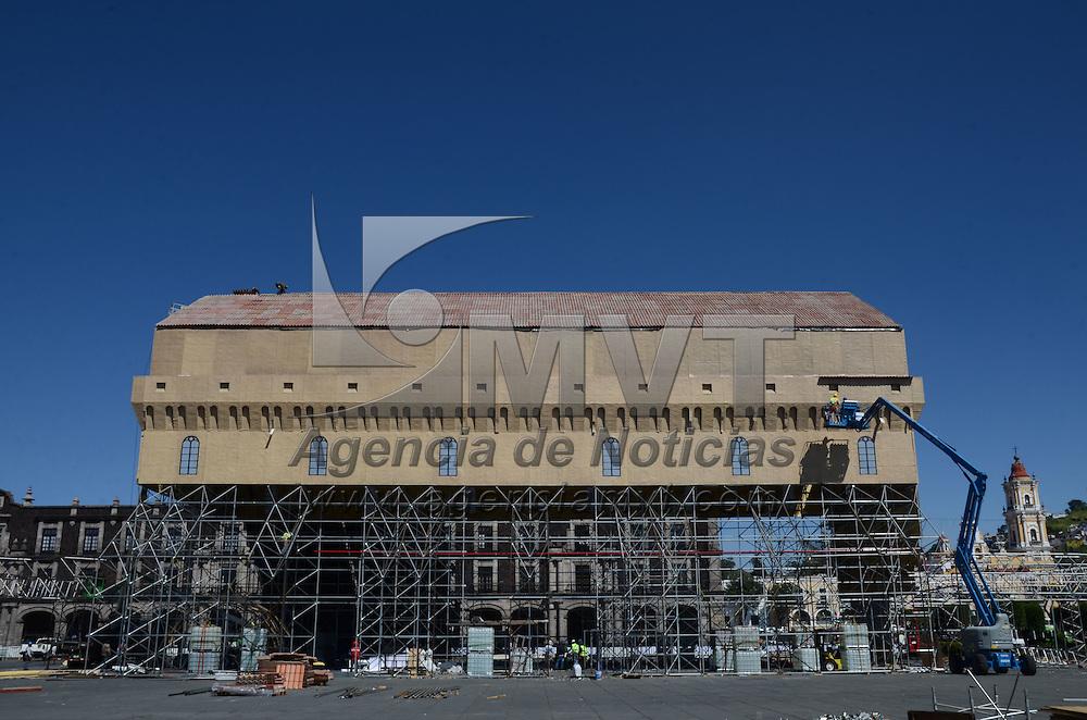 Toluca, México (Octubre 3, 2016).- Aspectos de la instalación de la réplica de la Capilla Sixtina, con un avance del 40 % la cual estará en la plaza de los Martíres de la capital mexiquense. Agencia MVT / Arturo Hernández.