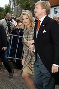 Zijne Hoogheid Prins Floris van Oranje Nassau, van Vollenhoven en mevrouw mr. A.L.A.M. Söhngen zijn zaterdag 22 oktober in de kerk van Naarden in het  huwelijk getreden. De prins is de jongste zoon van Prinses Magriet en Pieter van Vollenhoven.<br /> <br /> Church Wedding Prince Floris and Aimée Söhngen. <br /> <br /> Church Wedding Prince Floris and Aimée Söhngen in Naarden. The Prince is the youngest son of Princess Margriet, Queen Beatrix's sister, and Pieter van Vollenhoven. <br /> <br /> Op de foto / On the photo;<br /> <br /> <br /> <br /> Hare Koninklijke Hoogheid Prinses Máxima der Nederlanden<br /> en Zijne Koninklijke Hoogheid de Prins van Oranje Willem Alexander<br /> <br /> Her royal highness princess Máxima of the The Netherlands and Willem Alexander