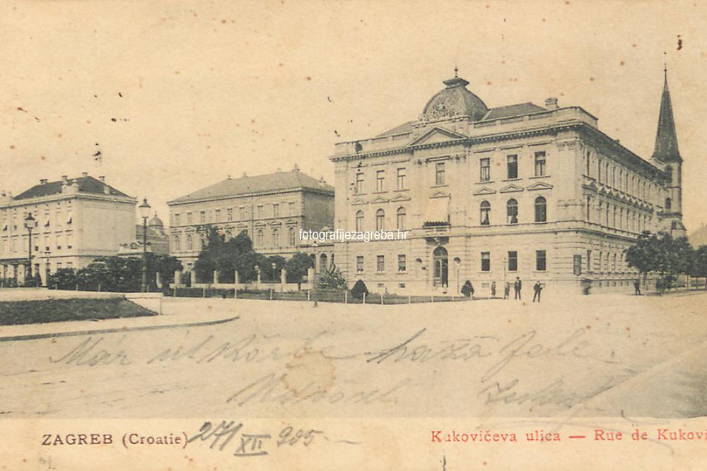 Zagreb (Croatie) : Kukovićeva ulica = Rue Kuković. <br /> <br /> ImpresumZagreb : Naklada M. Iaklin, [1905].<br /> Materijalni opis1 razglednica : tisak ; 8,6 x 13,5 cm.<br /> NakladnikNaklada M. Jaklin<br /> Mjesto izdavanjaZagreb<br /> Vrstavizualna građa • razglednice<br /> ZbirkaZbirka razglednica • Grafička zbirka NSK<br /> Formatimage/jpeg<br /> PredmetZagreb –– Andrije Hebranga<br /> SignaturaRZG-HEB-3<br /> Obuhvat(vremenski)20. stoljeće<br /> NapomenaRazglednica je putovala 1905. godine. • Poleđina razglednice namijenjena je samo za adresu. • U donjem lijevom rubu poleđine razglednice otisnuta je abrevijacija S. D. M. (S. D. Modiano Trieste).<br /> PravaJavno dobro<br /> Identifikatori000954963<br /> <br /> Izvor: Digitalne zbirke Nacionalne i sveučilišne knjižnice u Zagrebu