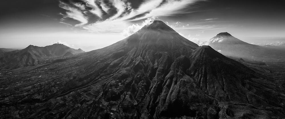 Gunung Sumbing dan Sindoro, Jawa Tengah, Indonesia