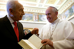SHIMON PERES (2 August 1923 - 28 September 2016) was a Polish-born Israeli statesman. Born Szymon Perski, he was the ninth President of Israel from 2007 to 2014, served twice as the Prime Minister of Israel and twice as Interim Prime Minister, and he was a member of 12 cabinets in a political career spanning over 66 years. Peres won the 1994 Nobel Peace Prize together with Yitzhak Rabin and Yasser Arafat for the peace talks that he participated in as Israeli Foreign Minister, producing the Oslo Accords. PICTURED: Apr 30, 2013 - Vatican City - POPE FRANCIS meets Israeli President SHIMON PERES during a private meeting at the Vatican. (Credit Image: © Evandro Inetti/ZUMAPRESS.com)