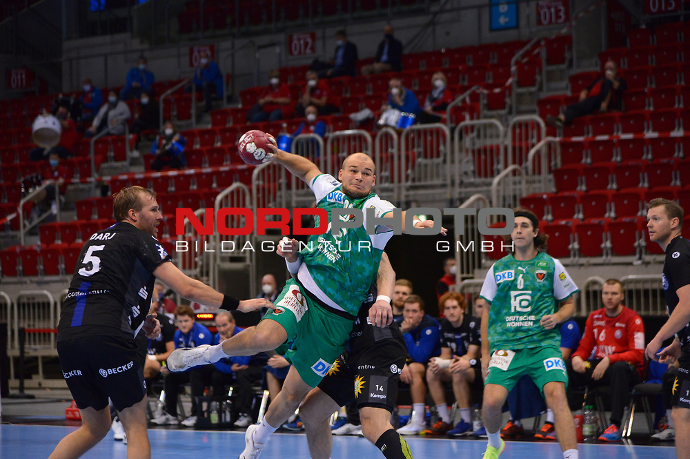 21.11.2020, Duesseldorf, ISS Dome, GER, 1.Liqui Moly HBL,  BHC06 vs. Fuechse Berlin<br /><br />1.Liqui Moly HBL  regulations prohibit any use of photographs as image sequences and/or quasi-video<br />im Bild Paul Drux ( Füchse Berlin #95 ) am Kreis.<br /><br />Foto © nordphoto / freund *** Local Caption ***