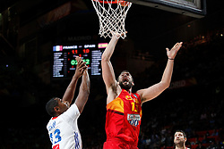 10.09.2014, Palacio de los deportes, Madrid, ESP, FIBA WM, Frankreich vs Spanien, Viertelfinale, im Bild Spain´s Marc Gasol (R) and France´s Diaw // during FIBA Basketball World Cup Spain 2014 Quarter-Final match between France and Spain at the Palacio de los deportes in Madrid, Spain on 2014/09/10. EXPA Pictures © 2014, PhotoCredit: EXPA/ Alterphotos/ Victor Blanco<br /> <br /> *****ATTENTION - OUT of ESP, SUI*****