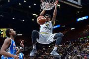 DESCRIZIONE : Beko Final Eight Coppa Italia 2016 Serie A Final8 Quarti di Finale Vanoli Cremona - Dinamo Banco di Sardegna Sassari<br /> GIOCATORE : Deron Washington<br /> CATEGORIA : Schiacciata Sequenza<br /> SQUADRA : Vanoli Cremona<br /> EVENTO : Beko Final Eight Coppa Italia 2016<br /> GARA : Quarti di Finale Vanoli Cremona - Dinamo Banco di Sardegna Sassari<br /> DATA : 19/02/2016<br /> SPORT : Pallacanestro <br /> AUTORE : Agenzia Ciamillo-Castoria/L.Canu