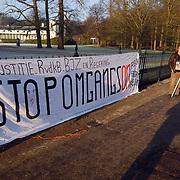 Protest van actiegroep family-4-justice bij paleis Soestdijk