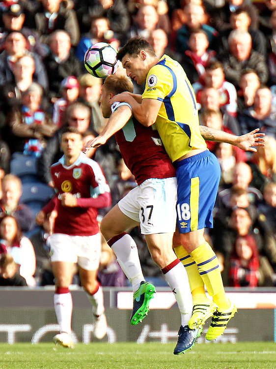 Burnley's Scott Arfield vies for possession with Everton's Gareth Barry<br /> <br /> Photographer Rich Linley/CameraSport<br /> <br /> The Premier League - Burnley v Everton - Saturday 22nd October 2016 - Turf Moor - Burnley <br /> <br /> World Copyright © 2016 CameraSport. All rights reserved. 43 Linden Ave. Countesthorpe. Leicester. England. LE8 5PG - Tel: +44 (0) 116 277 4147 - admin@camerasport.com - www.camerasport.com