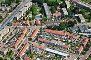 Nederland, Overijssel, Hengelo 30-06-2011; Weidehoek, centrum west. Flats een eengezinswoningen met rode pannendaken..luchtfoto (toeslag), aerial photo (additional fee required).copyright foto/photo Siebe Swart