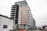 Feature / Reportasje<br /> OL 2010 Vancouver Canada<br /> Foto: Gepa/Digitalsport<br /> NORWAY ONLY<br /> <br /> Vorschau auf die Olympischen Winterspiele 2010 in Vancouver. <br /> <br /> Bild zeigt ein Haus und die Science World Kugel im Hintergrund. Keywords: Olympisches Dorf, Olympic Village