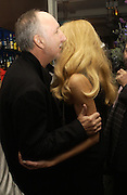 PETE TOWNSHEND AND JERRY HALL. First night party for High Society. Shanghai Blues. High Holborn.  October 10 2005. ONE TIME USE ONLY - DO NOT ARCHIVE © Copyright Photograph by Dafydd Jones 66 Stockwell Park Rd. London SW9 0DA Tel 020 7733 0108 www.dafjones.com