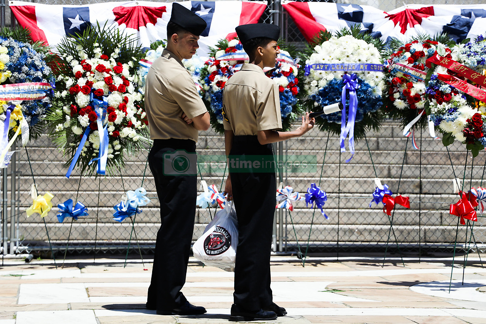 May 27, 2019, New York, New York, U.S.; Military members visit Soldiers and Sailors Monument in Manhattan in New York on Memorial Day. (Credit Image: © William Volcov/ZUMA Wire)