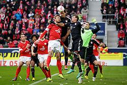 02.02.2013, Coface Arena, Mainz, GER, 1. FBL, 1. FSV Mainz 05 vs FC Bayern Muenchen, 20. Runde, im Bild Daniel VAN BUYTEN (FC Bayern Muenchen) und Mario MANDZUKIC (FC Bayern Muenchen - 9) retten vor Jan KIRCHHOFF (FSV Mainz 05 - 15) // during the German Bundesliga 20th round match between 1. FSV Mainz 05 and FC Bayern Munich at the Coface Arena, Mainz, Germany on 2013/02/02. EXPA Pictures © 2013, PhotoCredit: EXPA/ Eibner/ Gerry Schmit..***** ATTENTION - OUT OF GER *****