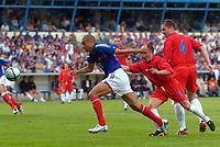 Fotball<br /> Treningskamp<br /> Frankrike v Andorra<br /> 28. mai 2004<br /> Foto: Digitalsport<br /> NORWAY ONLY<br /> DAVID TREZEGUET (FRA) / FRANCESC RAMIREZ (AND)