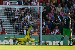 Goal, Southampton's Sadio Mane scores, Southampton 3-0 Swansea City - Mandatory by-line: Jason Brown/JMP - 07966 386802 - 26/09/2015 - FOOTBALL - Southampton, St Mary's Stadium - Southampton v Swansea City - Barclays Premier League