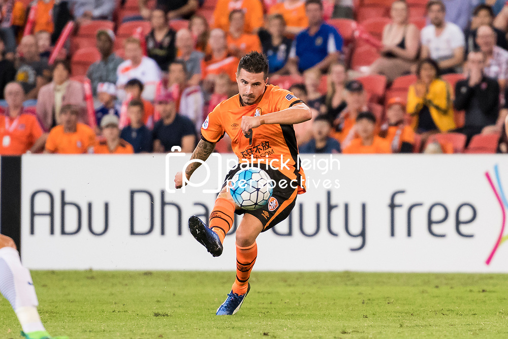 BRISBANE, AUSTRALIA - APRIL 12: Jamie MacLaren of the Roar scores a goal during the Asian Champions League Group Stage match between the Brisbane Roar and Kashima Antlers at Suncorp Stadium on April 12, 2017 in Brisbane, Australia. (Photo by Patrick Kearney/Brisbane Roar)