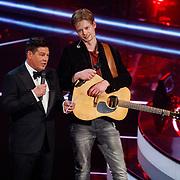 NLD/Hilversum/20180216 - Finale The voice of Holland 2018, winnaar Jim van der Zee en Martijn Krabbe