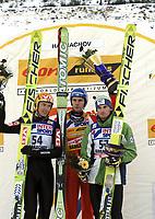 Hopp<br /> Verdenscup<br /> 12. desember 2004<br /> Harrachov<br /> Foto: Wrofoto/Digitalsport<br /> NORWAY ONLY<br /> Roar Ljøkelsøy, Janne Ahonen og Jakub Janda