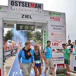 Glücksburg, 02.08.15, Sport, Triathlon, 14. OstseeMan, 2015 : Sieger Staffel Männer, Team mindact Sylt (GER, #745),  Björn Hoffmann,  Andreas Tutzer, Henning Leppek (08:15:18)<br /> <br /> Foto © P-I-X.org *** Foto ist honorarpflichtig! *** Auf Anfrage in hoeherer Qualitaet/Aufloesung. Belegexemplar erbeten. Veroeffentlichung ausschliesslich fuer journalistisch-publizistische Zwecke. For editorial use only.